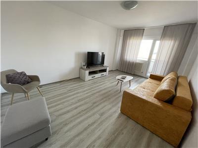 Inchiriere apartament doua camere, decomandat, zona Ultracentrala.