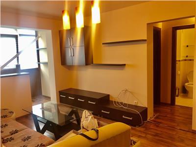 Inchiriere apartament doua camere, mobilat, utiat, zona Malul Rosu.