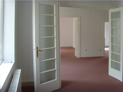 Inchiriere apartament in vila- gara de nord