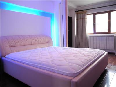 Inchiriere apartament trei camere Piata Muncii