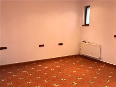 Inchiriere casa 3 camere + demisol, in Ploiesti, zona Ultracentrala