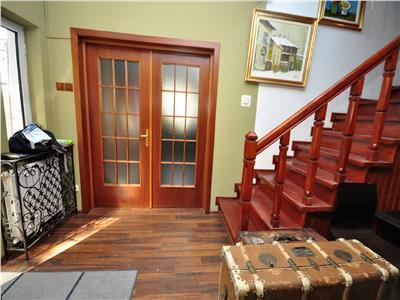 Inchiriere casa ideal spatiu birou/comercial,curte 100mp piata Amzei