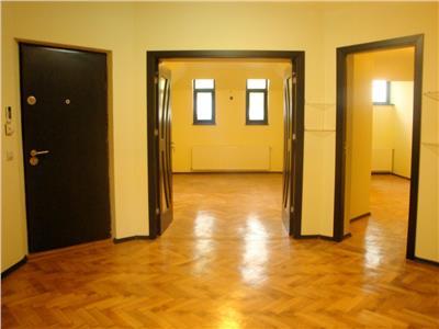Inchiriere etaj de vila, 4 camere, cotroceni Bucuresti