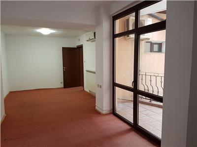 Inchiriere 3 cam. (etaj + mansarda) in vila pentru birouri, domenii