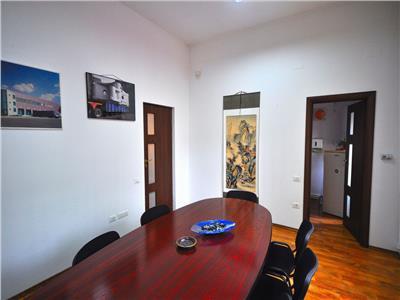 Inchiriere vila mobilata birou Unirii Piata Alba Iulia