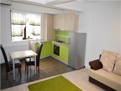Inchiriez apartament 2 camere bloc nou Decebal parcare