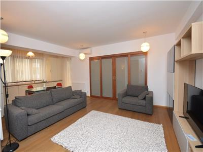 Inchiriez apartament 3 camere bloc nou cu parcare Stefan cel Mare