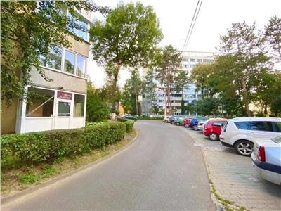 Inchiriez apartament cu 2 camere in Aleea Carpati ideal pentru salon