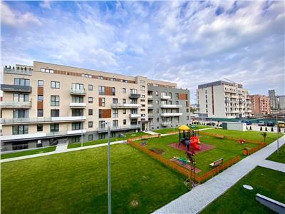 Inchiriez apartament cu 2 camere modern mobilat in complexul maurer