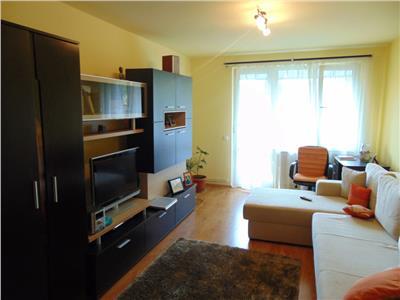 Inchiriez apartament cu 2 camere in cornisa mobilat si utilat modern Targu Mures