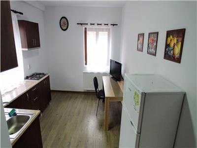 Inchiriez apartament cu 2 camere  la 30 metri de Liceul Papiu