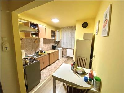 Vand apartament cu 2 camere, mobilat si utilat, in 7 noiembrie