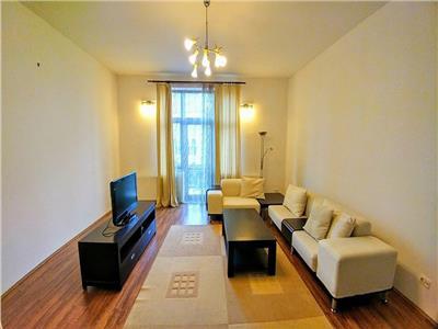 Inchiriez apartament cu 3 camere modern,100 mp ultracentral