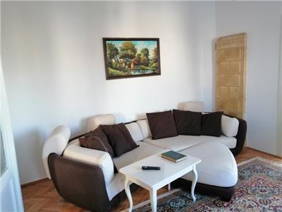 Inchiriez apartament cu 4 camere, aflat la casa, situat in cornisa