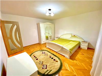 Inchiriez apartament cu 3 camere complet mobilat si utilat la grand