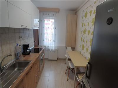 Inchiriez apartament cu 3 camere si 2 bai, in pandurilor, zona eon