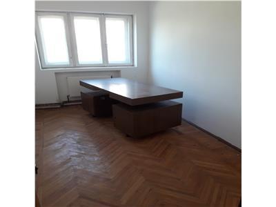 Inchiriez birouri in bascov, 12 + 2 toalete