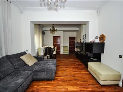 Investitie! Dacia-Toamnei, etaj 1 in vila, intrare separata, curte