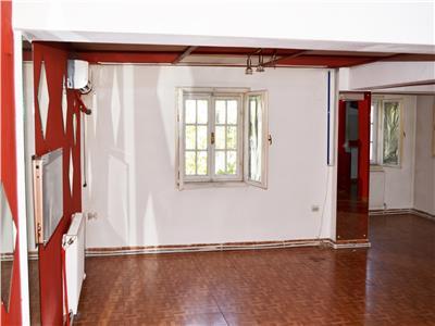 Piata Alba Iulia Muncii Vila p+1+2 300 mp 2200 euro video chat hostel