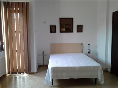 Piata Romana Serviciul Pasapoarte Apartament 2 camere inchiriere