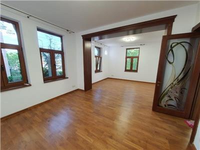 Spatii perfecte birouri D+P impecabile in vila Palatul Cotroceni