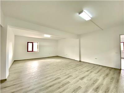 Spatiu birouri aflat la prima inchiriere, 122 mp, situat in baicoi