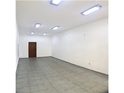 Spatiu comercial 28 mp, renovat, ultracentral, pietonala, Ploiesti