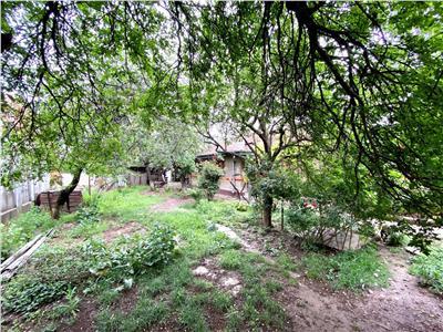 Teren cu casa batraneasca, 400 mp, zona linistita, langa afi palace