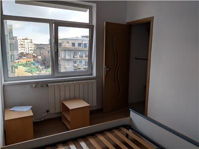 Unirii apartament 2 camere,55 mp,fara risc seismic