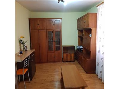 Vand apartament 2 camere sd etaj 3 zona casa de pensii