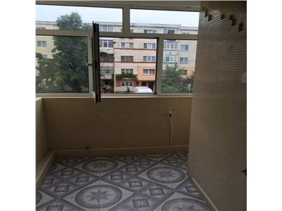 Vand apartament 3 camere in tudor vladimirescu, 63000 euro