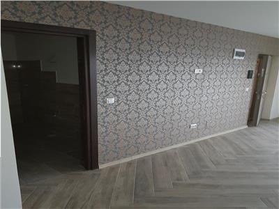 Vand apartament cu 3 camere cu terasa, de lux, Platou Prundu