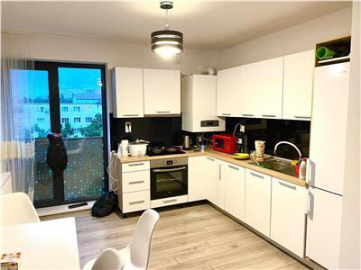 Vand apartament tip penthouse cu 5 camere in 7 noiembrie, 145mp