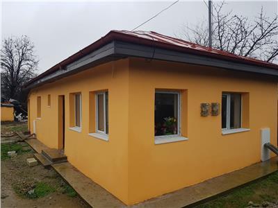 vand casa 75 mp renovata 2 camere 2 bai , 350mp teren