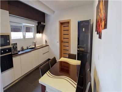 Vand casa in santana cu 3 camere complet mobilata