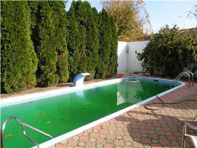 Vand casa cu 4 camere si piscina