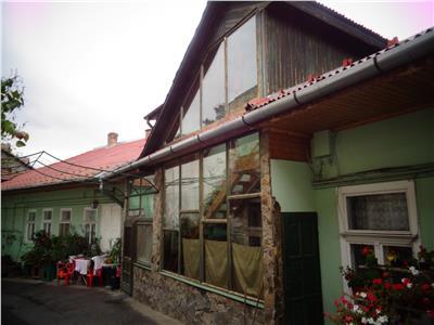 Vand casa mare cu 1155 mp teren,zona ultracentrala