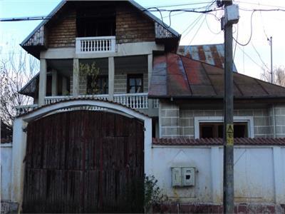 Vanzare 2 case in targoviste, micro 4, zona 2 brazi