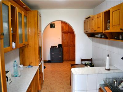 vanzare ap. 4 camere cartier Ghencea 84 mp an 1984 -Bd.Ghencea