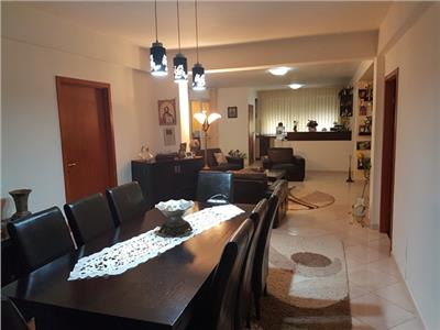 VANZARE APARTAMENT 154 MP UTILI / TERASA/ CURTE/ACCES PRIVAT