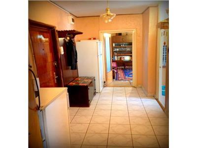 Vanzare apartament 2 camere 13 septembrie razoare