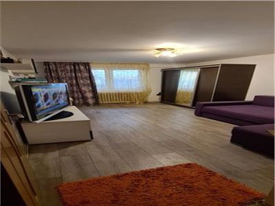 Vanzare apartament 2 camere decomandat in Berceni/ Nitu Vasile