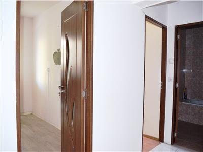 Vanzare apartament 2 camere, decomandat, zona 9 mai, ploiesti