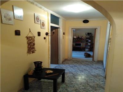 Vanzare apartament 2 camere , decomandat .zona Morarilor