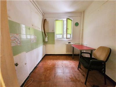 Vanzare apartament 2 camere drumul taberei favoit