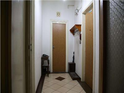 Vanzare apartament 2 camere etaj 1 dr.sarii