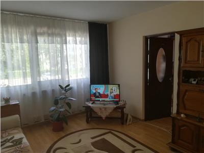 Vanzare apartament  2 camere,micro 6