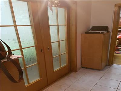 Vanzare apartament 2 camere parcul Tineretului Metrou