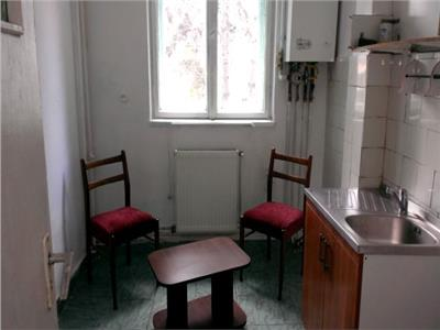 Vanzare apartament 2 camere semidecomandat aleea trandafirilor
