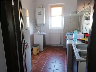 Vanzare apartament 2 camere semidecomandat micro 9